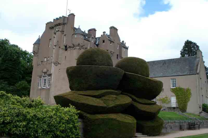 Aberdeen Day Tour to Dunnottar and Crathes Castle